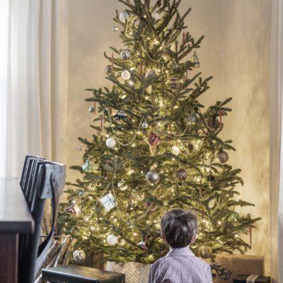 Classic Nostalgic Christmas Tree