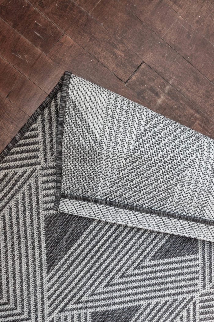 Choose the right rug for your stairs!