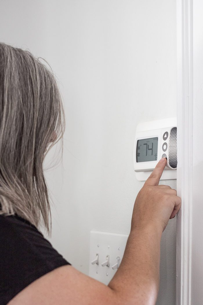 Tips for how to heat your home with proper thermostat usage.