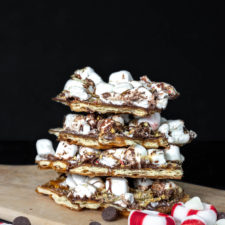 Peppermint S'mores Saltine Cracker Toffee | Easy Dessert