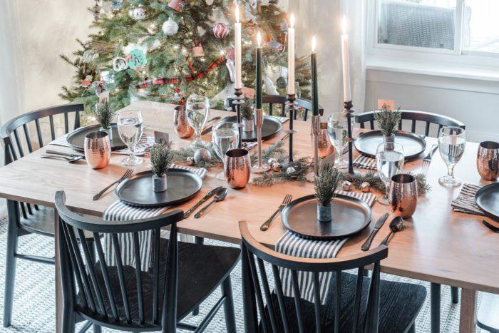 Minimalist Christmas Tablescape decor