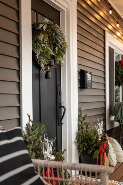 Classic Christmas Porch Decor Ideas