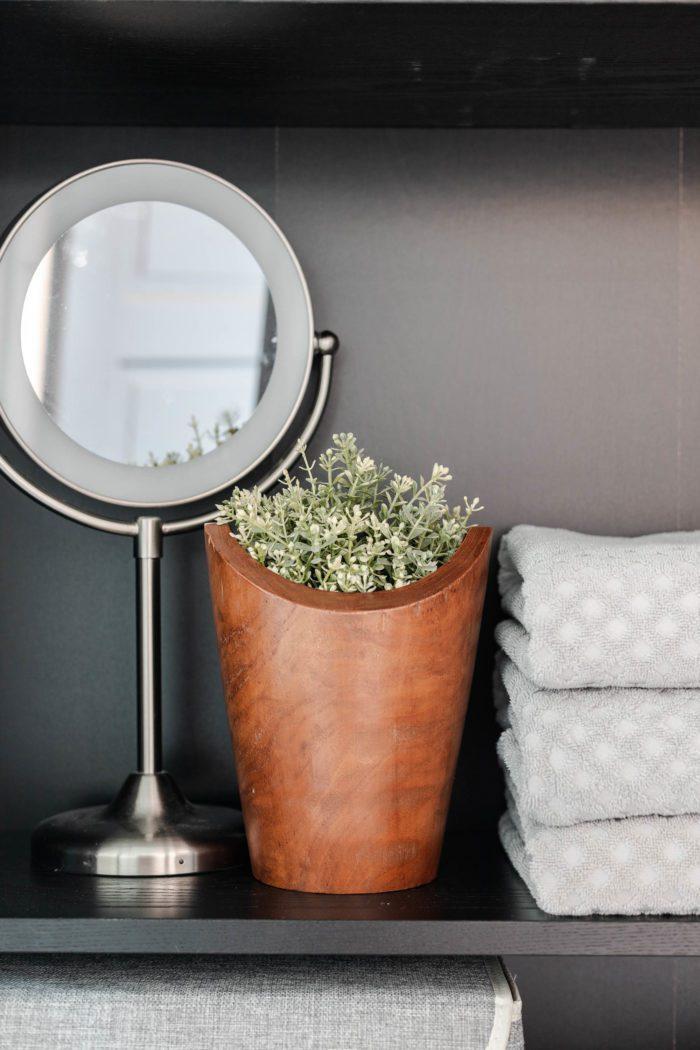 Linen closet organization tips