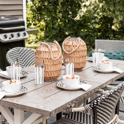 Simple Outdoor Summer Tablescape